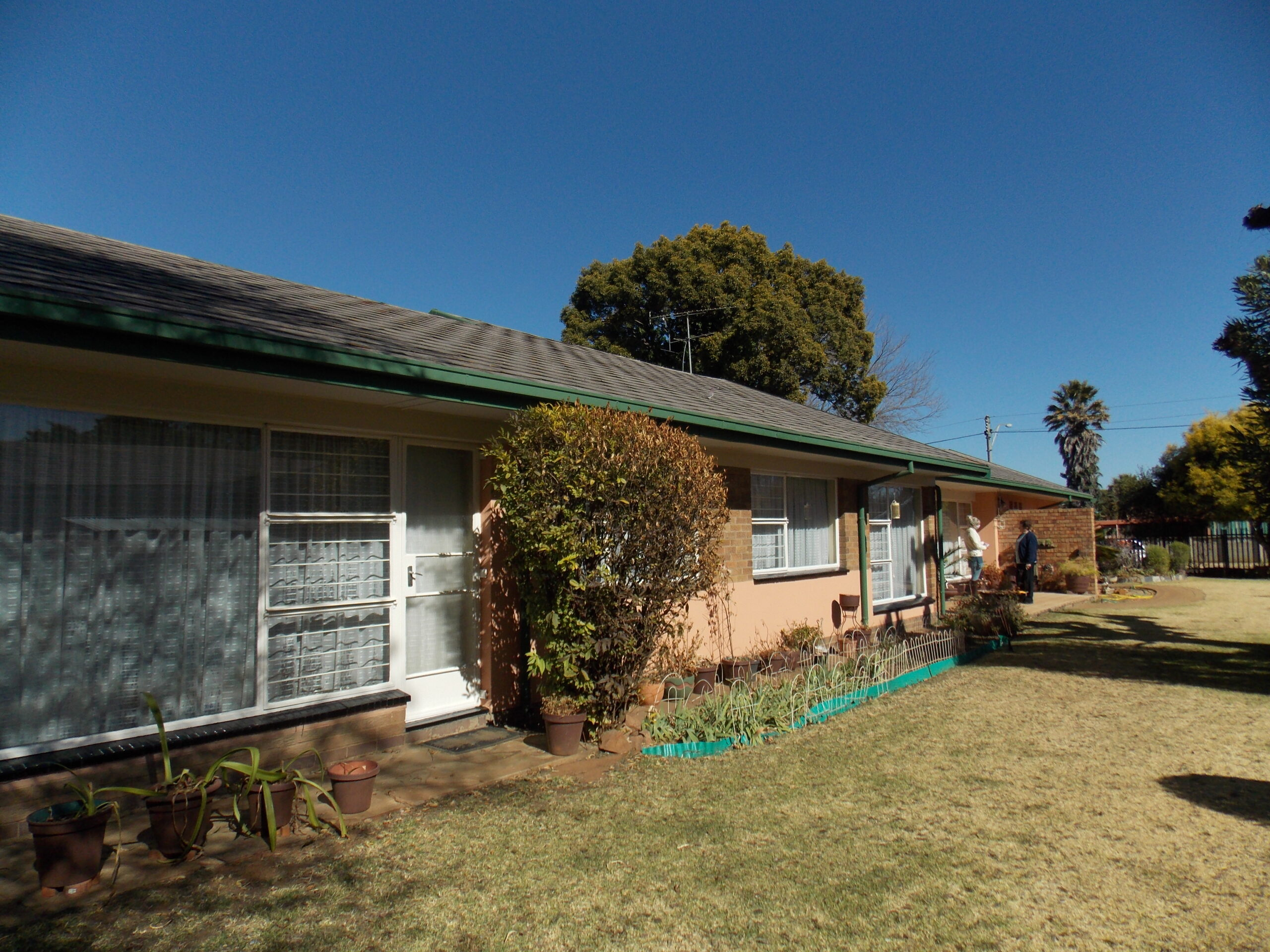 STUNNING, CHARMING, FAMILY HOME. WELL PRICED. READY TO GO