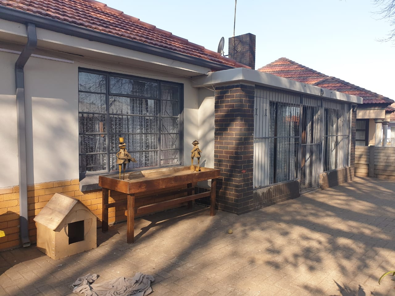 House for Sale in Ce 1
