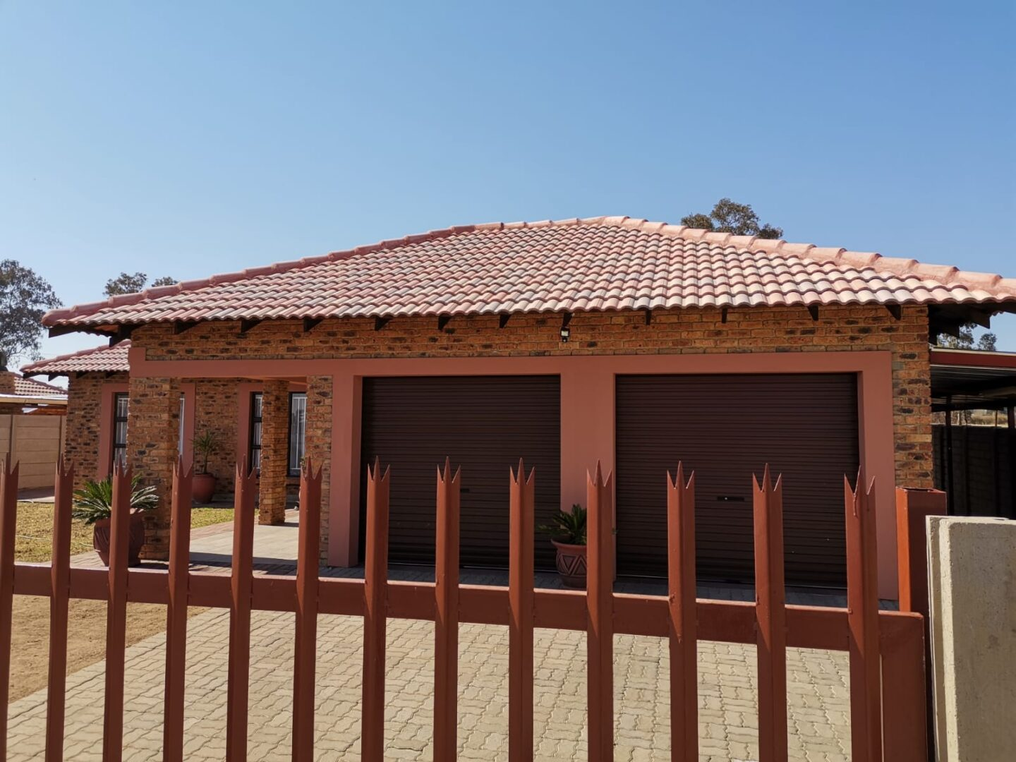 Full title townhouse for sale in Riversdale