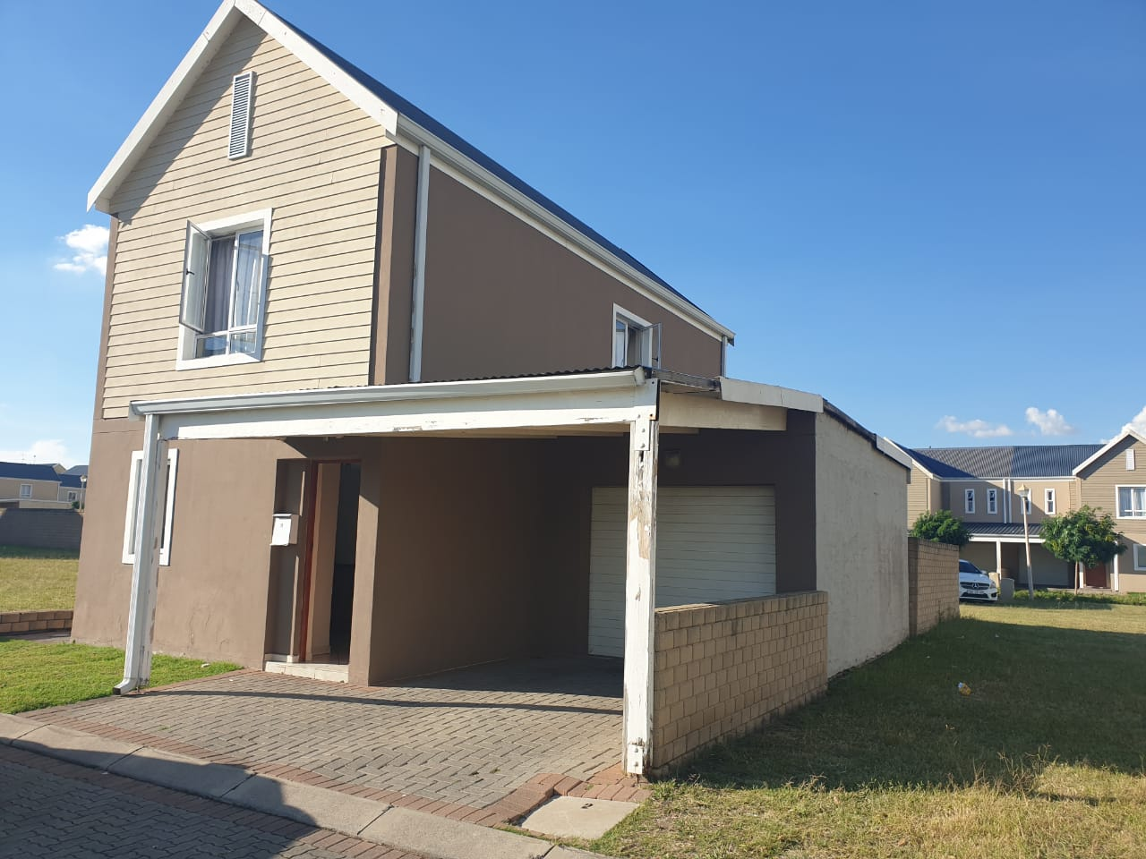 Townhouse in Rivespray for sale